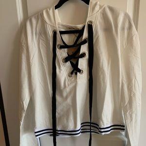 NWT Super Cute White & Black Hooded Sweatshirt S